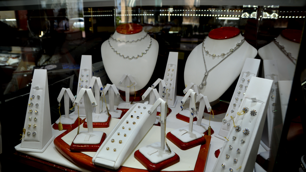 Melt Your Mom's Heart this Mother's Day with Jewelry in Wellington